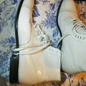 White leather boots. Stacy Adams